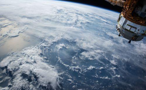 Simulación FEM del lanzamiento y la reentrada de naves espaciales